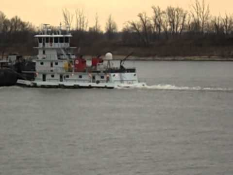 "MARATHON ""CINCINNATI"" Tugboat With M/T Barges"