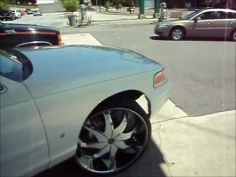 Clean Lincoln Towncar on 24' Dub Creams. Super Clean Fl ...