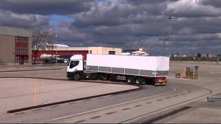 Maniobra de la L para trailer en Centro de Exámenes de Mostoles en Madrid