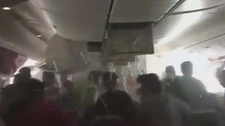 VIDEO: Incidente a Dubai, panico a bordo dell'aereo in fiamme