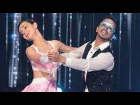 Sanaya Irani aka Khushi's MESMERIZING DANCE PERFORMANCE in Jhalak Dikhla Jaa 8