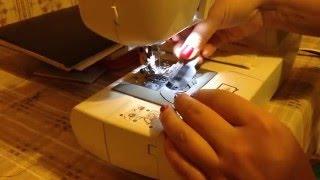 Как заправить нить в бытовую швейную машину(Бытовая швейная машинка brother. Заправка нити в иглу с помощью нитезаправителя. Ссылка на видео: https://youtu.be/rhgTTmZ3uTk., 2015-12-22T20:49:03.000Z)