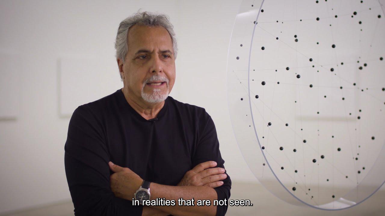 Carlos Medina: cruce de dimensiones y espacios temporales