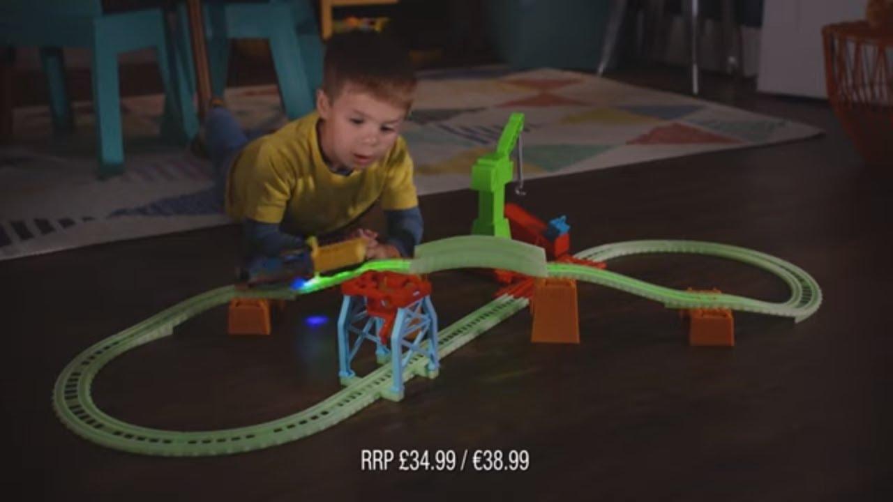 Download Thomas & Friends Hyper Glow Night Delivery Playset   Mattel UK