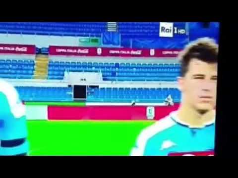 Sergio sylvestre sbaglia l'inno di Mameli. Partita Napoli Juventus