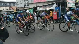 Balap sepeda kuningan Jawa Barat