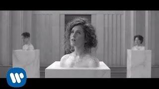Смотреть клип Rae Morris - Skin