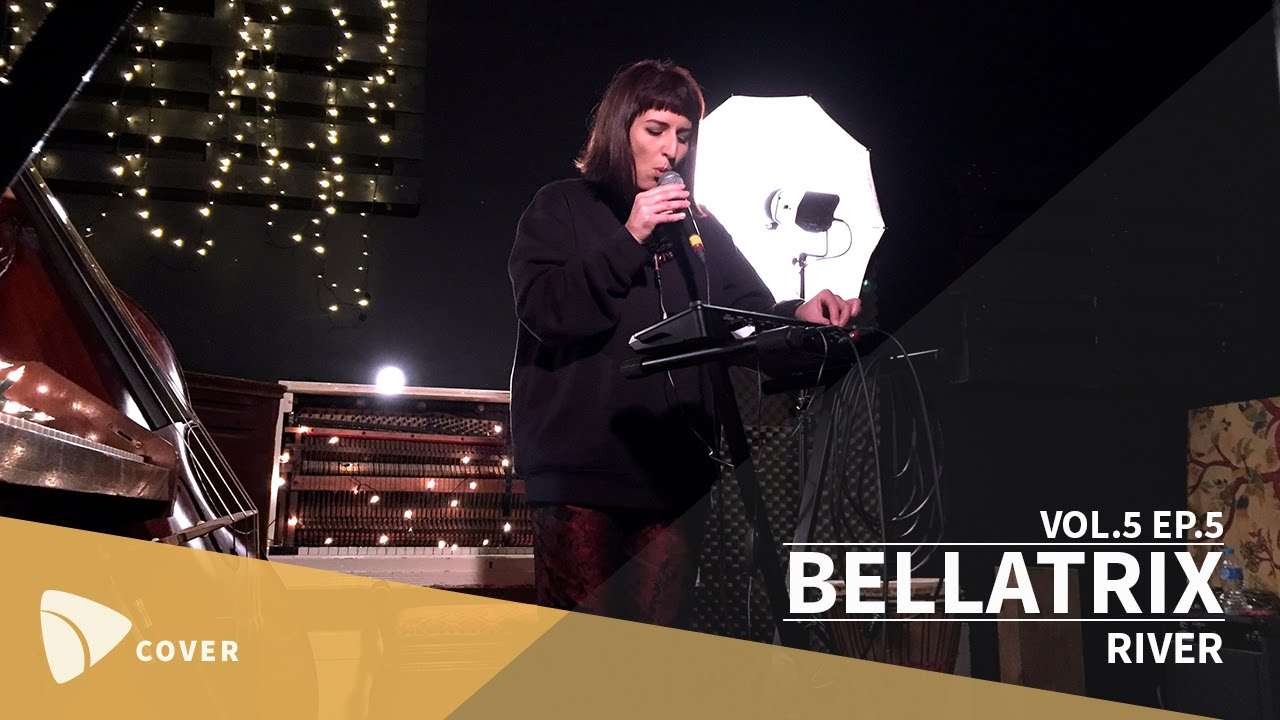 Sofia microphone streets blowjob