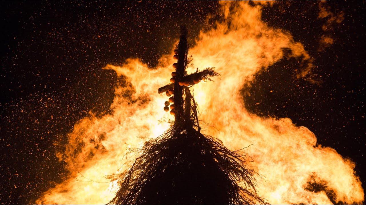 Sant 39 antonio abate la festa del fuoco cala gonone for Arredo bimbo sant antonio abate