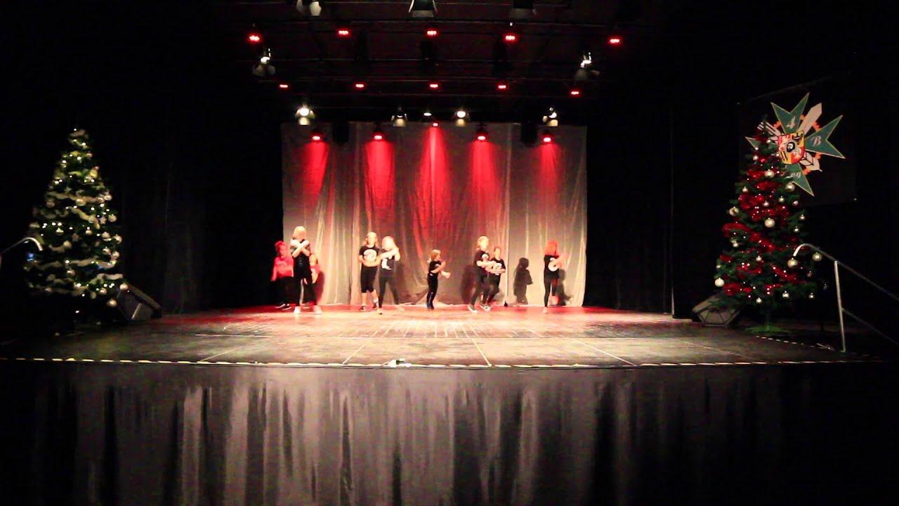 Sznurówki - Christmas Showcase 2015 (SDA) - YouTube