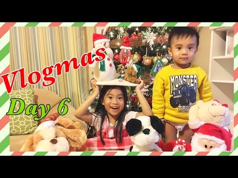 Vlogmas Day 6 - Musical Christmas Stuffed Animals