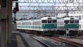 国鉄時代からのオリジナルカラー、阪和色。 湯浅発天王寺行、2936Mの和...