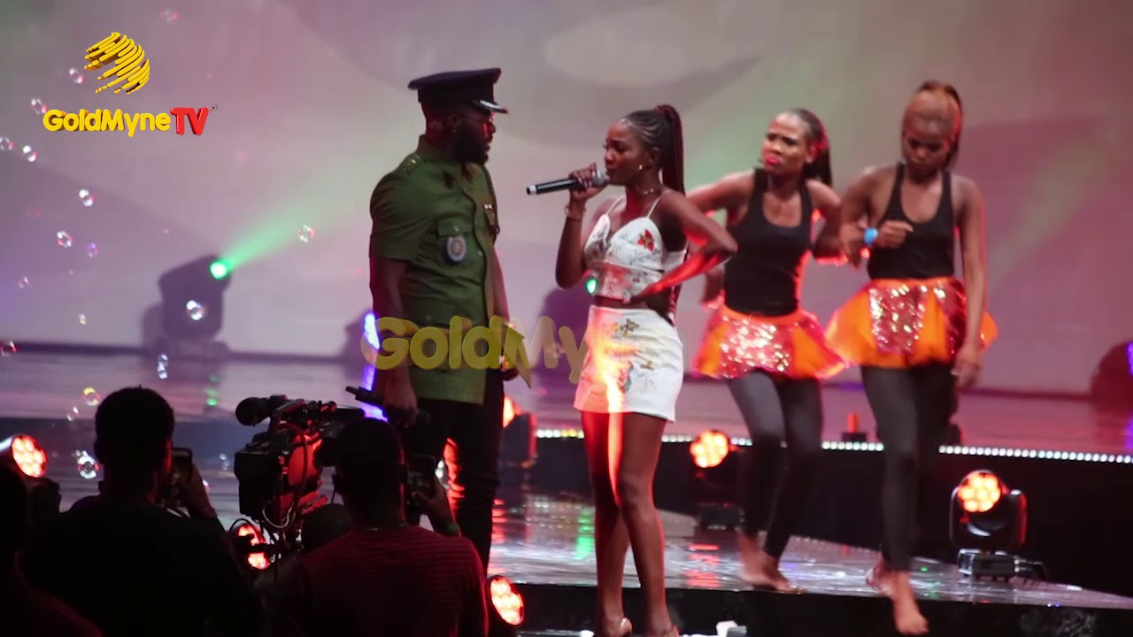 FALZ AND SIMI PERFORM 'SOLDIER' AT THE FALZ EXPERIENCE CONCERT
