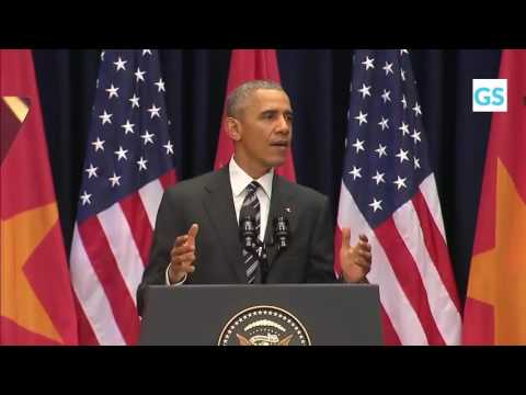 President Obama speaks with young Vietnamese 24/5 (English)