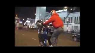 Спорт байки.Лучшее.[Sport bikes.Best]. Freestyle.Stuntriding.(Шоу представленное профессионалами в своем деле.Исполняются различные трюки на очень крутых байках.Есть..., 2011-06-08T16:18:12.000Z)