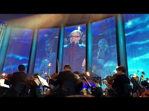 Danny Elfman sings What's This ? at Hollywood in Vienna 2017