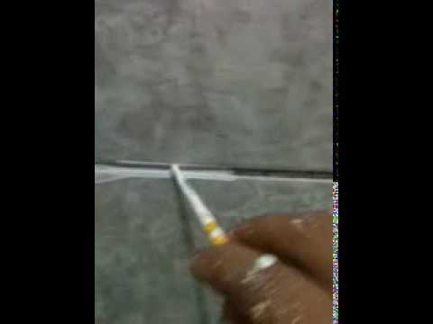 Pintura em rejunte de azulejo youtube for Pintura para azulejos