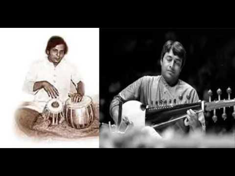 Ustad Amjad Ali Khan with Pt.  Vinod Pathak on Tabla  -  1979