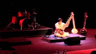 Krsna & Govin Tan - Raga Charukeshi; Traditional Indian Music