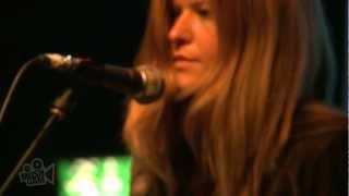 Смотреть клип Still Corners - Memory Moon