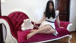 Repeat youtube video Asian Long Legs Worship Bare Feet Sexy, Cheryl The White Swan - TSQ