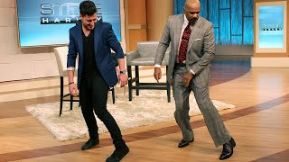 Repeat youtube video Steve Harvey Shows Off His Dance Moves