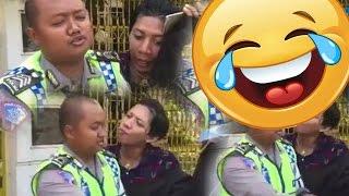 Tilang Pria Manja, Ekspresi Polisinya Bikin Ngakak!