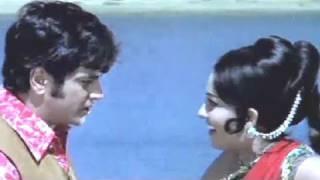 Download Video Reena Roy rescues Jeetendra   Jaise Ko Taisa   Action Scene 12/13 MP3 3GP MP4