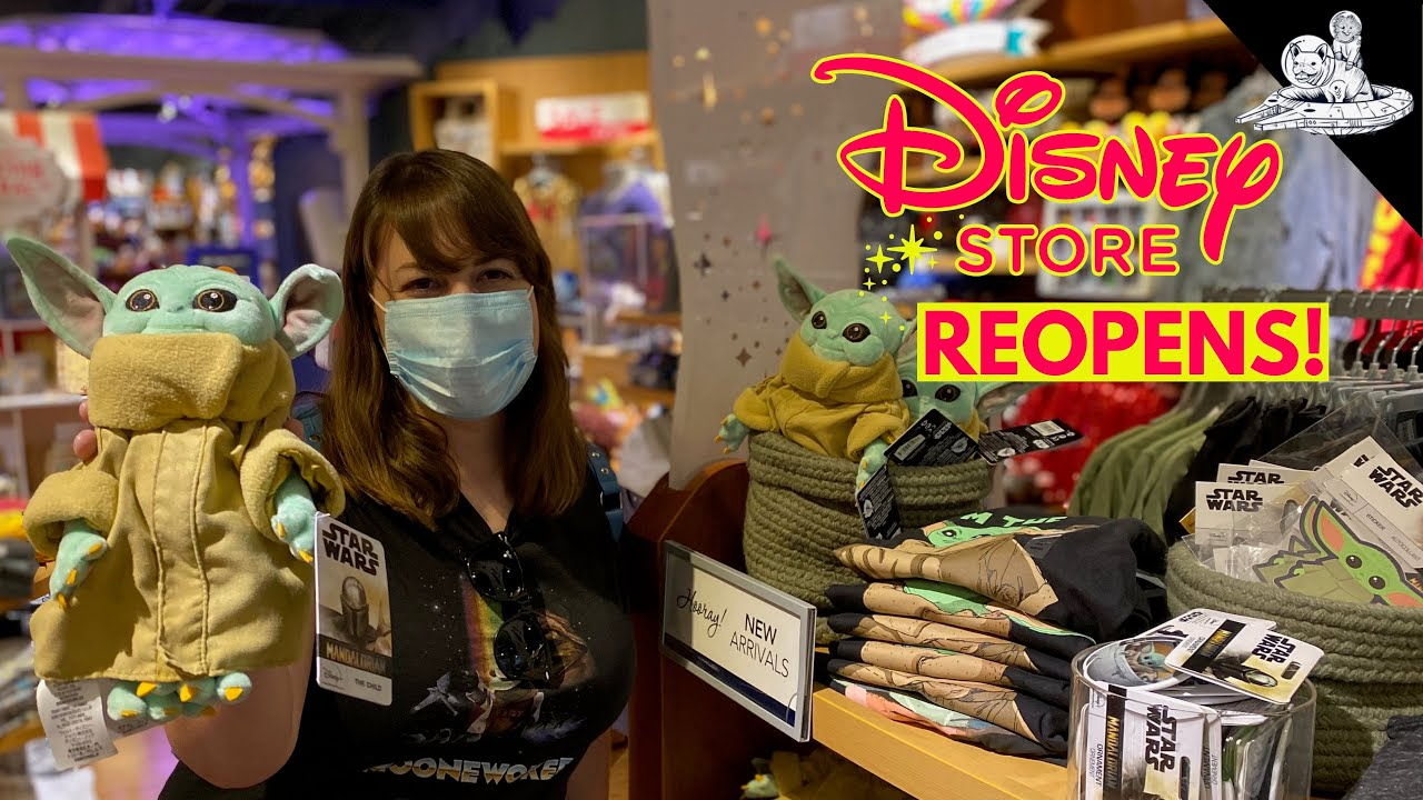 Disney Store has REOPENED! Searching for Baby Yoda & Disney Masks