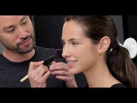 Tutorial: How to Do Your Makeup Like a Pro Makeup Artist