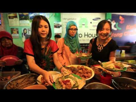 Keunikan Kuliner Nasi Jamblang khas Cirebon - NET16