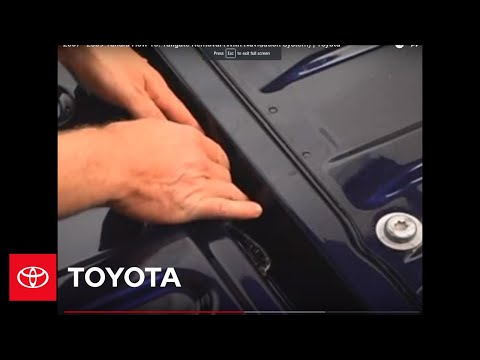 2007 - 2009 Tundra How-To: Tailgate Removal (With Navigation System) | Toyota