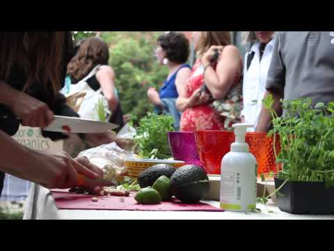 Organic Food Delivery with Door To Door Organics at LOHAS - Green With Tiffany
