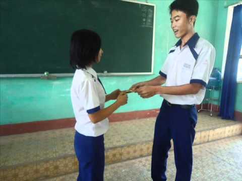 clip hinh 11a5-truong thpt nguyen huu canh-nam hoc 2010-2011(P2).flv
