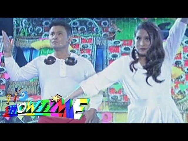 "It's Showtime: Ogie Alcasid and Jolina Magdangal perform ""Dahil Sa'Yo"" with a twist"