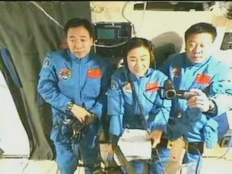 Tiangong-1 space lab crew call home