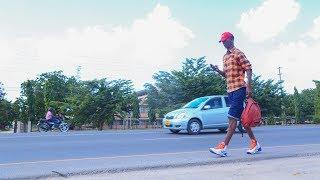 Mtanzania ambaye akikosa siti ya mbele kwenye daladala hasafiri