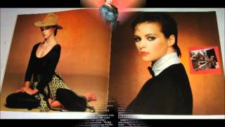 Watch Sheena Easton Paradox video