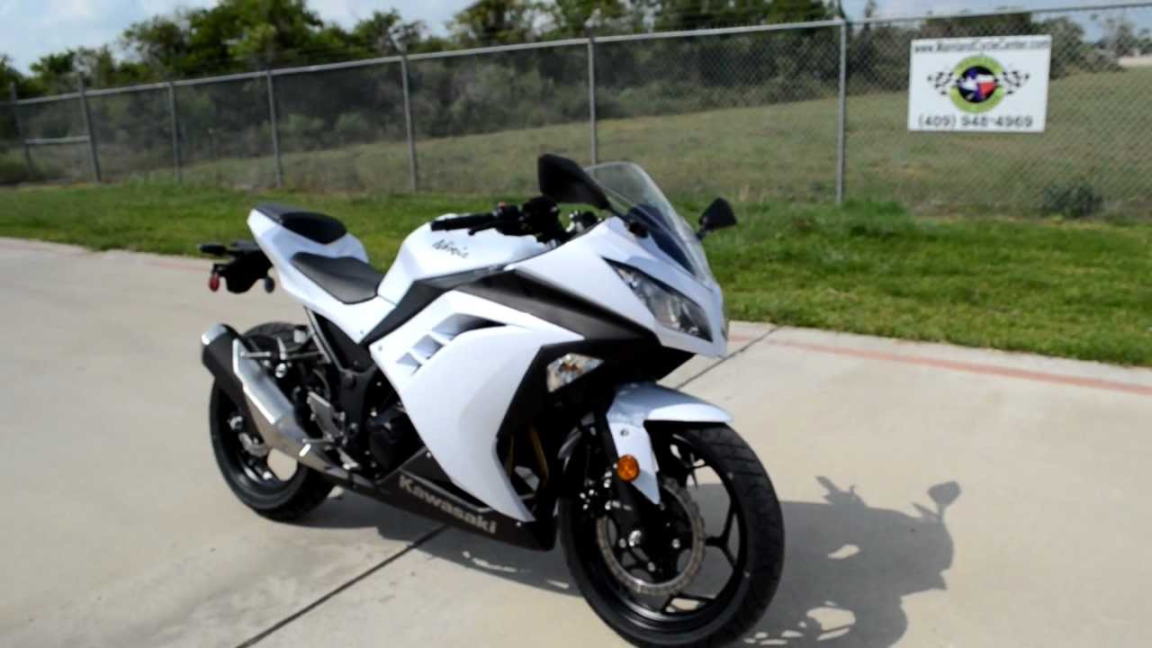 Overview And Review Of The 2013 Kawasaki Ninja 300 Pearl Stardust White