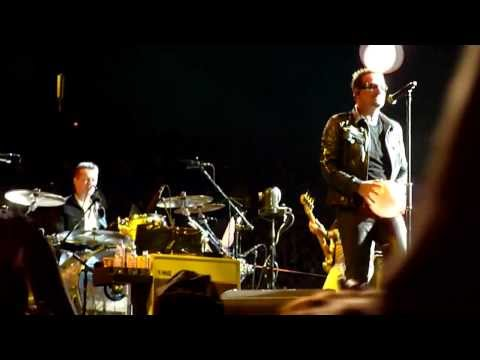 U2 One Tree Hill (360° Live From Auckland) [Multicam Re-Styled 720p By Mek With U22's Audio]