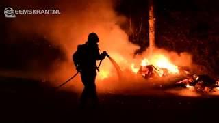 Caravan door brand verwoest aan de Wierdeweg in Uitwierde