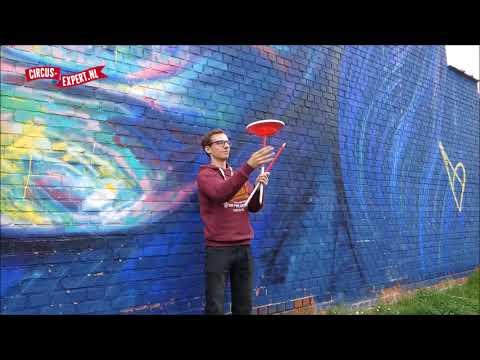 Plate Spinning tricks | Trucjes met Chinese bordjes  | Circus-expert.nl