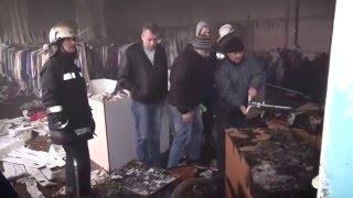 Пожар на центральном рынке Василькова. Выгорело два магазина.(, 2015-12-27T07:29:48.000Z)