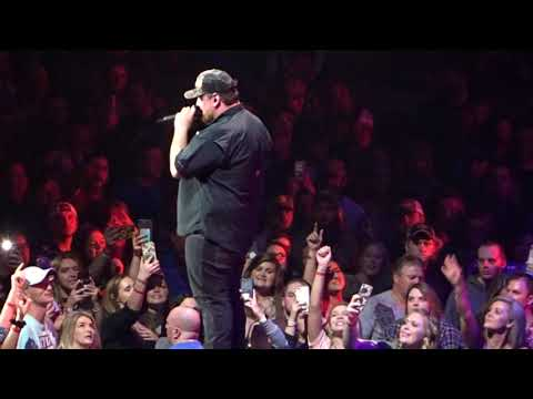 Luke Combs - Beer Can/Don't Tempt Me, Live At Thompson Boling Arena, Knoxville, 15 February 2019