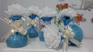 Como fazer lembrancinhas com flores de papel crepom e copos descartáveis