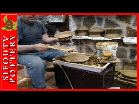 Pottery Live trimming at ΛΕΡΟΣ Leros ISland Greece 03
