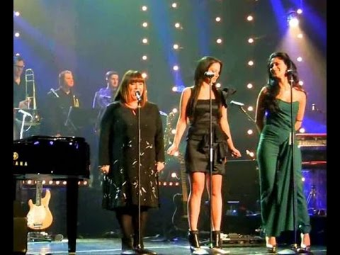 Видео, Gary Barlow,Tulisa,Nicole Scherzinger  Dawn French  Fairytale Of New York on Text Santa