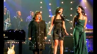 Gary Barlow,Tulisa,Nicole Scherzinger & Dawn French ~ Fairytale Of New York (on Text Santa)