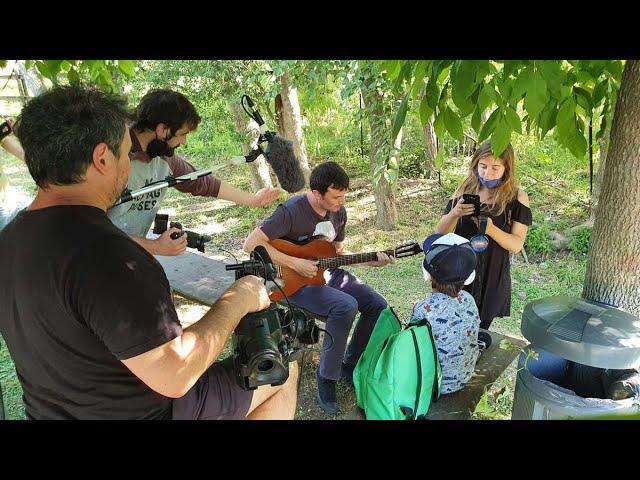 Ignacio Correas se convierte en un set de filmación para Paka Paka