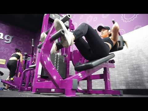 VOICEOVER: Trying ALL The AB MACHINES At Planet Fitness | Beginner Friendly